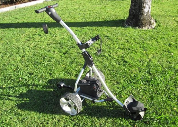 Spitzer R5 Digital Remote Control Golf Trolley with Distance Timer - at the golf course
